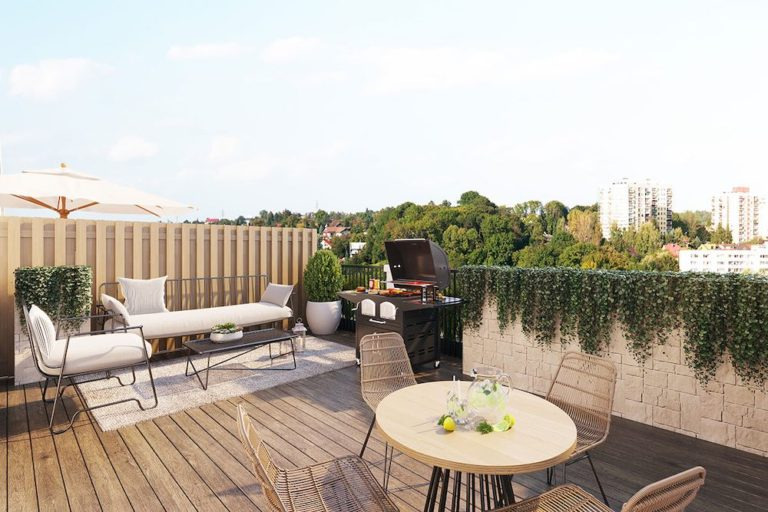 Rooftop Patio @ Brantford Townhomes For Sale @ 33 Jarvis St - Call Yossi Kaplan